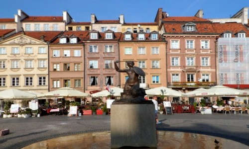 Zdjęcie POLSKA / mazowsze / Warszawa / Syrenka na rynku