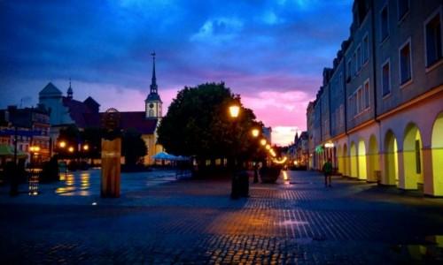 Zdjecie POLSKA / Wejherowo / Rynek / Wieczór