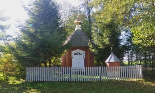 Zdjecie POLSKA / podlaskie / Nowoberezowo / Kapliczka z XIX wieku na obrzeżach Nowoberezowa