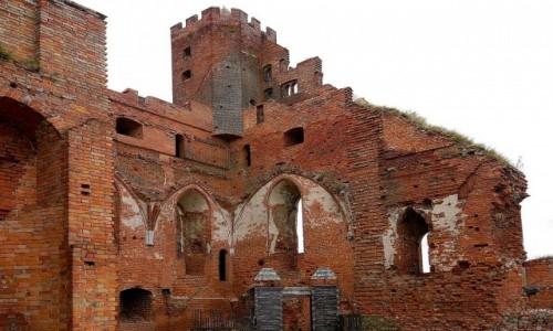 POLSKA / kujawsko-pomorskie / Radzyń Chełmiński / Widok murów od wewnątrz