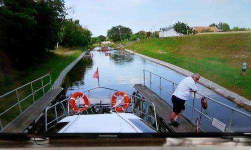 POLSKA / warmińsko- mazurskie / Buczyniec / Widok ze sterówki na kanał i pochylnię