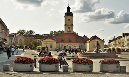 Zdjecie POLSKA / Podlasie / Białystok / Białystok, ratusz, koniec