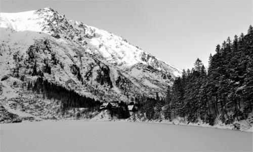 Zdjęcie POLSKA / Tatry / Morskie Oko / Pewnej zimy