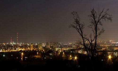 Zdjecie POLSKA / Kielce / Kielce / Miasto nocą