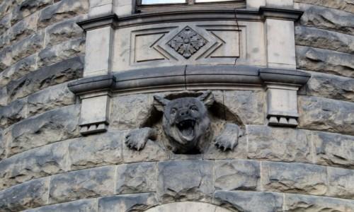 POLSKA / województwo opolskie / Moszna / Pałac w Mosznej-wieża niedźwiedzia
