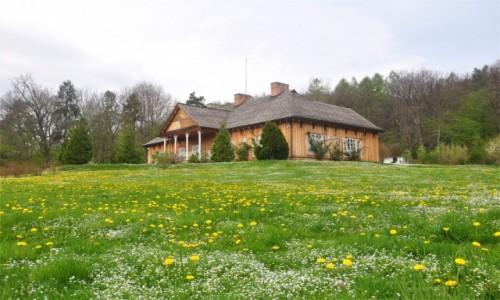 Zdjecie POLSKA / podkarpackie / Sanok / Wiosna w skansenie