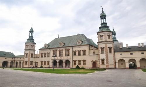 Zdjecie POLSKA / świętokrzyskie / Kielce / Pałac Biskupów Krakowskich w Kielcach