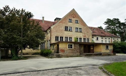 Zdjecie POLSKA / Pojezierze Iławskie / Prabuty / Budynek dawnego sanatorium