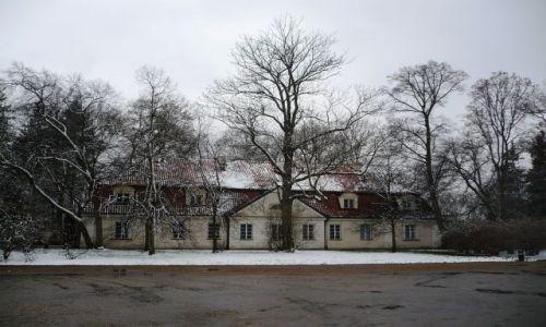 Zdjecie POLSKA / Mazowsze / Nieborow / w sniegowej szacie...