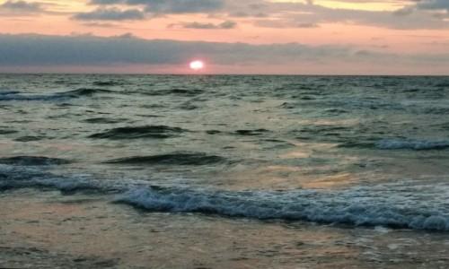 Zdjecie POLSKA / wybrzeże Bałtyku / Międzywodzie / zachód słońca