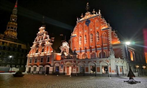 POLSKA / Ryga / Stare Miasto / Noc w Rydze