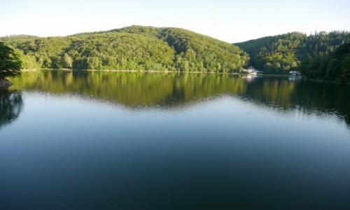 POLSKA / dolnośląskie / Rezerwat przyrody / Nocá jeziorko Daisy zmienilo sié w Zaporé