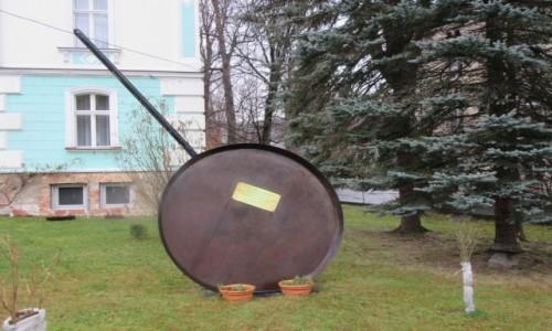Zdjecie POLSKA / Lądek Zdrój / Lądek Zdrój / Na tej patelni pobito Rekord Świata w smażeniu jajek - 2520 szt. w 2002 r.