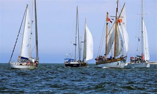 POLSKA / Pomorze / Zatoka Gdańska / W oczekiwaniu na start