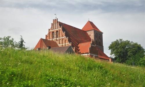 POLSKA / pomorskie / Puck / Kościół z XIII wieku w Pucku