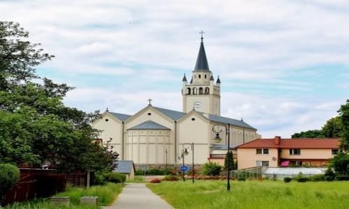 POLSKA / województwo pomorskie / Bytów / Kościół św.Katarzyny Aleksandryjskiej i św.Jana Chrzciciela z 1854 roku