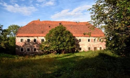 POLSKA / województwo dolnośląskie / niedaleko Przeździedzy / Opuszczony dom