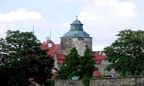 Zdjecie POLSKA / dolnoślaskie / Czocha / Widok na zamek, od strony głównej bramy