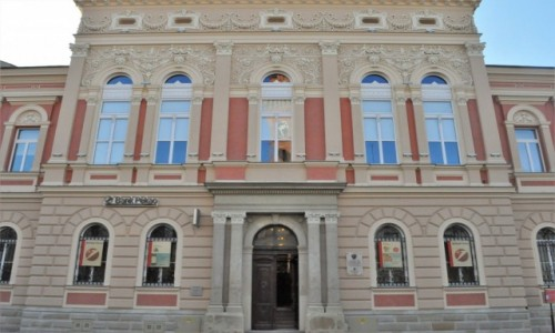 POLSKA / Małopolska / Tarnów / Tarnów, rynek, piękna kamienica