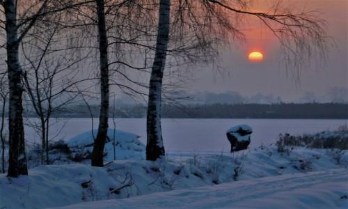 POLSKA / dolina karpia / Spytkowice / Klimatyczny mroźny wschód