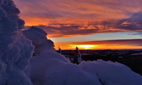 POLSKA / Pilsko / Beskidy / Magiczny zachód słońca