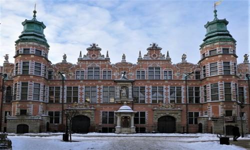 POLSKA / Pomorze / Gdańsk / Dawniej zbrojownia, obecnie siedziba Akademii Sztuk Pięknych