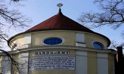 Zdjecie POLSKA / opolskie / Otmęt / Tył kościoła