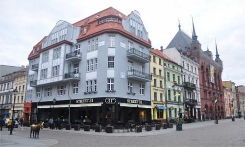 POLSKA / kujawsko-pomorskie / Toruń / Kamienice przy Rynku w Toruniu