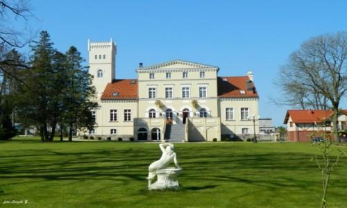 POLSKA / woj.pomorskie. / gmina Puck. / Rekowo Górne - pałac - obecnie Hotel