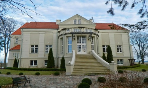 POLSKA / woj.warmińsko-mazurskie. / gmina Grunwald. / Pacółtowo - Pałac.