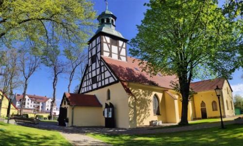 POLSKA / pomorskie / Łeba / Kościół z XVII wieku w Łebie
