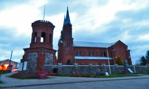 Zdjęcie POLSKA / woj.mazowieckie. / Wieczfnia Kościelna. / Wieczfnia Kościelna - kościół św. Stanisława Biskupa Męczennika.