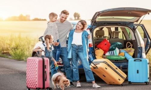 POLSKA / --- / --- / Jak podróżować samochodem z dzieckiem?