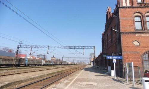 Zdjecie POLSKA / Wielkopolska / Nowe Skalmierzyce / Skalmierzyce . Dworzec kolejowy .