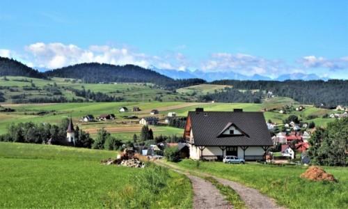 POLSKA / Małopolska / Grywałd, podnóże góry Lubań / widać Tatry:)