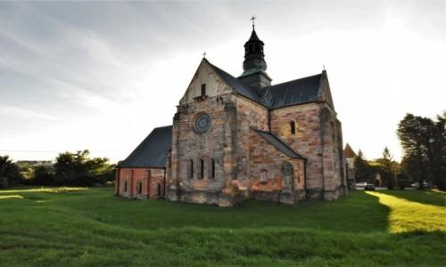 POLSKA / Łódzkie / Sulejów / Sulejów, kościół opactwo cystersów