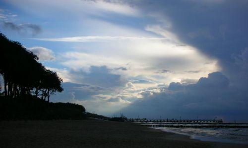 Zdjecie POLSKA / Morze Bałtyckie / Ustronie Morskie / na chwilę przed sztormem