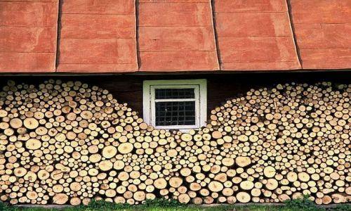 Zdjecie POLSKA / Beskid Niski / Nowica / Okno podwójnie drewniane
