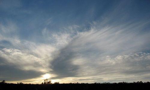 Zdjęcie POLSKA / Centralna Polska / Niebo nad Mazowszem / Czarne chmury w odwrocie
