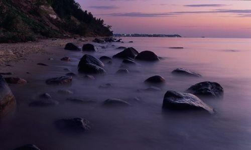 Zdjecie POLSKA / Wybrzeże / Okolice Orłowa / Kamienie świtaniem