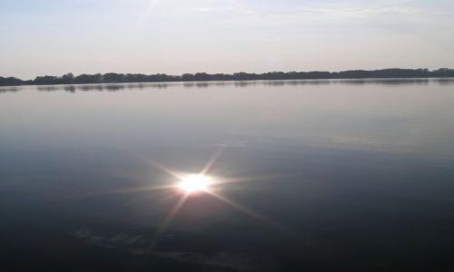 Zdjecie POLSKA / Mazury / Mazury / Słońce w jeziorze