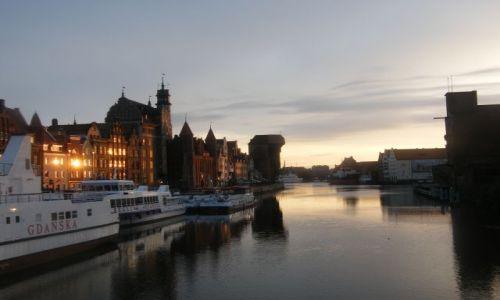 Zdjęcie POLSKA / wybrzeze / gdansk / czwarta nad ranem...