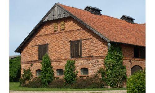 Zdjęcie POLSKA / warmia i mazury / Galiny / budynki stajni