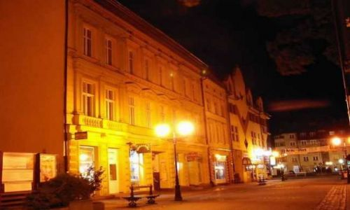 Zdjecie POLSKA / Pojezierze Drawskie / Szczecinek / deptak nocą