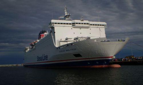 Zdjecie POLSKA / pomorskie / port w Gdyni / prom