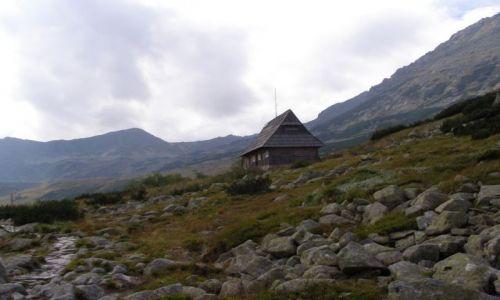 Zdjęcie POLSKA / Tatry / Dolina Pięciu Stawów / chatka