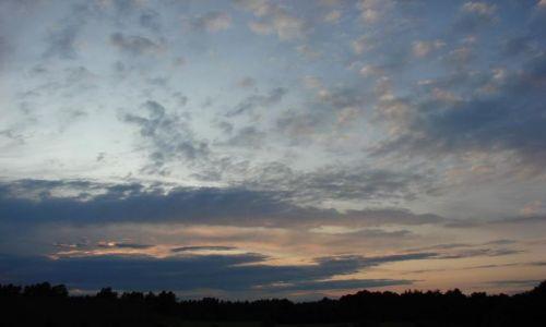 Zdjęcie POLSKA / Suwalszczyzna / Wigry / niebo nad Suwalszczyzną