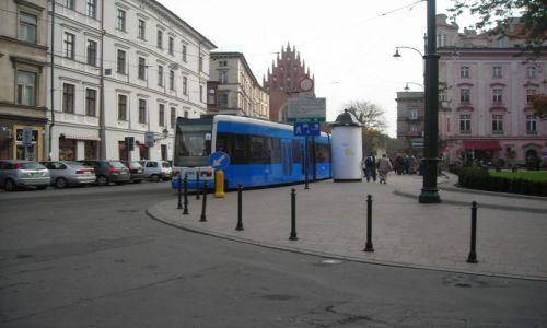 Zdjecie POLSKA / brak / Kraków / niebieski tramwaj