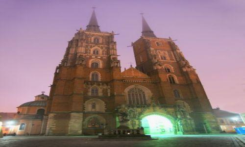 Zdjęcie POLSKA / WROCŁAW / Katedra / Katedra we mgle