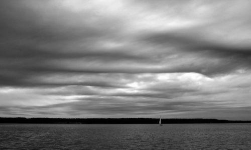 Zdjęcie POLSKA / Mazury / Jezioro Nidzkie / Przed burzą
